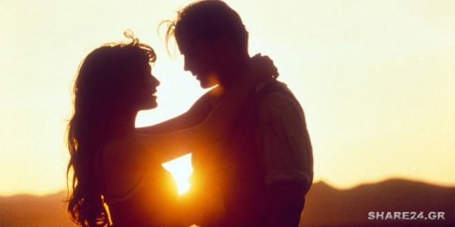 8 Σημάδια που Δείχνουν πως το Αγόρι που Σας Σκέφτεται Δεν θα Σταματήσει να Σας Αγαπά