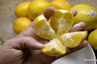 Κόψτε το λεμόνι στα 4 και ρίξτε αλάτι... Αυτό το κόλπο θα αλλάξει τη ζωή σας